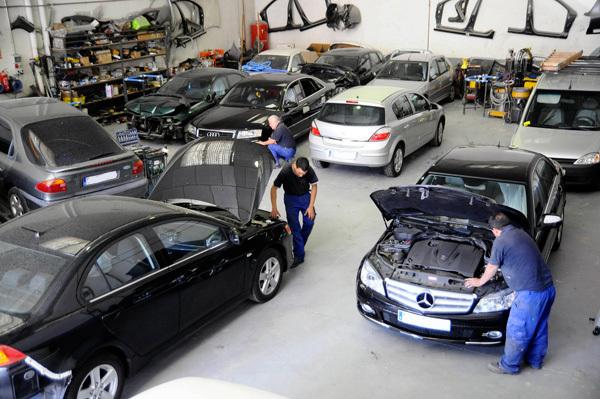 Encuentra a los profesionales de coches en taller Lugo.